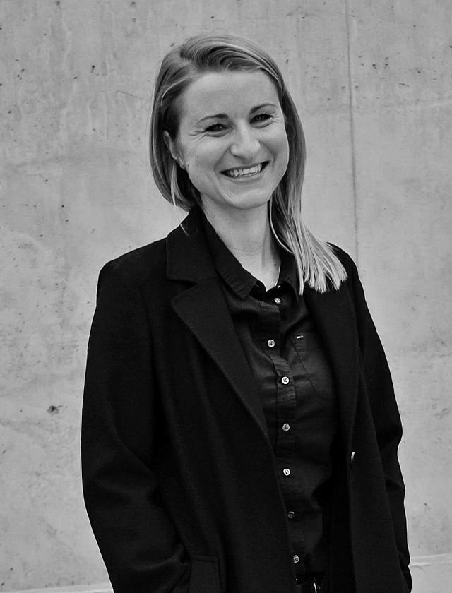 Cornelia Hinkelmann Physiotherapeutin, Yoga-Lehrerin und Coach München & Allgäu Vita
